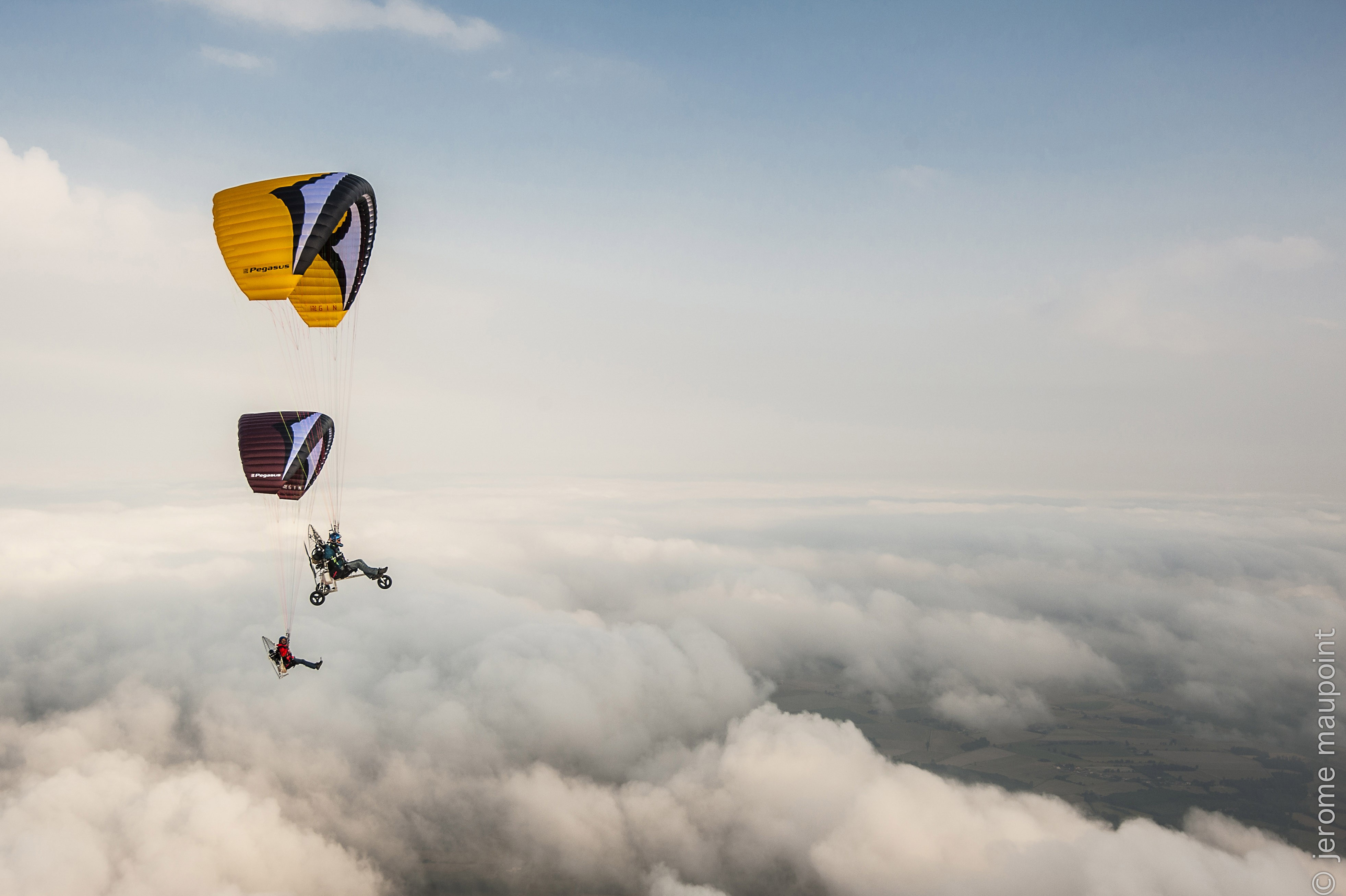 Easy and fun, the Pégasus 2 it's a winderfull paraglider for all pilots